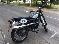 Sinnis Scrambler 125cc Motorbike Retro Bike Vintage Look