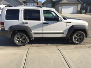 Find Jeep Libertys For Sale By Owners And Dealers Kijiji Autos