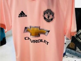 Manchester untied shirt size M L and Xl pink