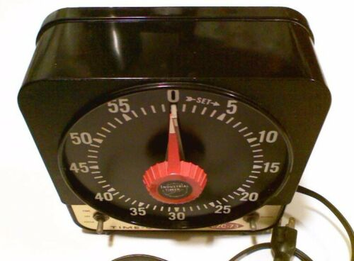 Vintage TIME-O-LITE EZC-73 Photography Dark Room Analog Timer with Buzzer