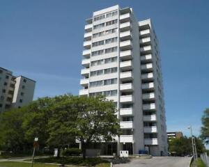 Spacious 3 Bedroom Condo in Mississauga! Great Opportunity!!