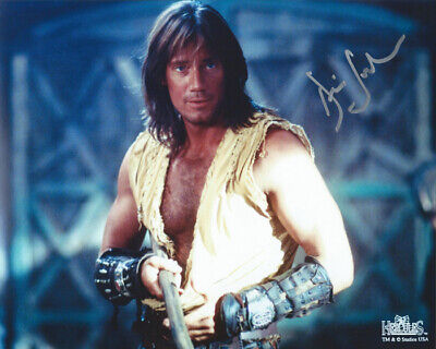 - HERCULES the Legendary Journeys KEVIN SORBO nice scene signed photo!