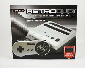 RetroDuo w/ 2 controllers and some games