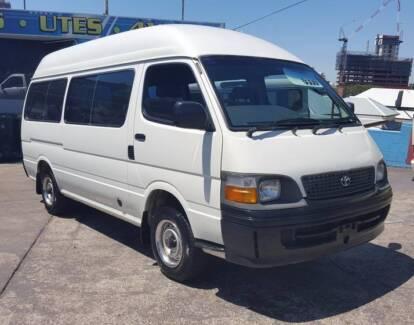 2000 Toyota Hiace Commuter van/ bus LPG 2.4L EFI 11 seats $9999 South Brisbane Brisbane South West Preview