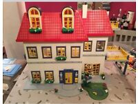 Playmobil Modern Family Dolls House 3965, bath laundry and bed set - great condition