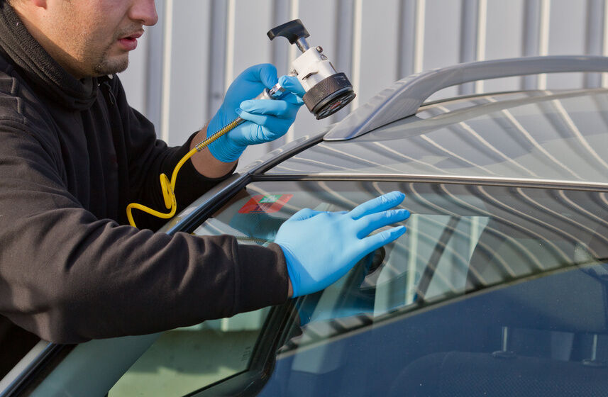 Top 3 Ways to Restore or Repair a Damaged Windscreen