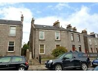 4 bedroom flat in Irvine Place, Aberdeen, AB10 (4 bed)