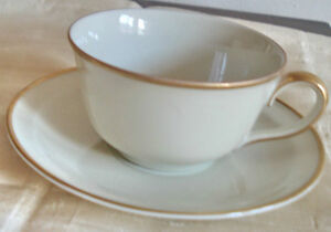 ANTIQUE KPM wahliss royal ivory bone china 4 CUPS SAUCERS