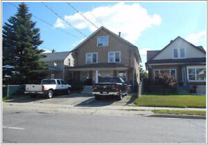 3 Bdrm house apartment for rent in Welland June 1st