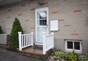 Large Renovated 2 Bedroom Lower Level Bungalow In Great Location