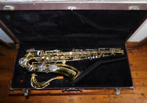 Yamaha Yts-23 Tenor Saxophone With Hard Case
