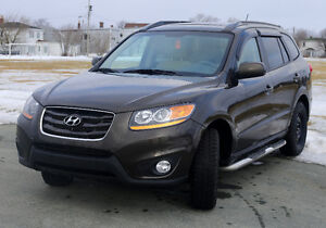 2011 Hyundai Santa Fe GL Premium SUV - Excellent condition!!