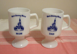 Duo de tasses sur pied en verre milk Walt Disney World Mom Dad