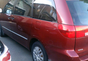 Toyota Sienna CE 2005 *low mileage* *mint condition*