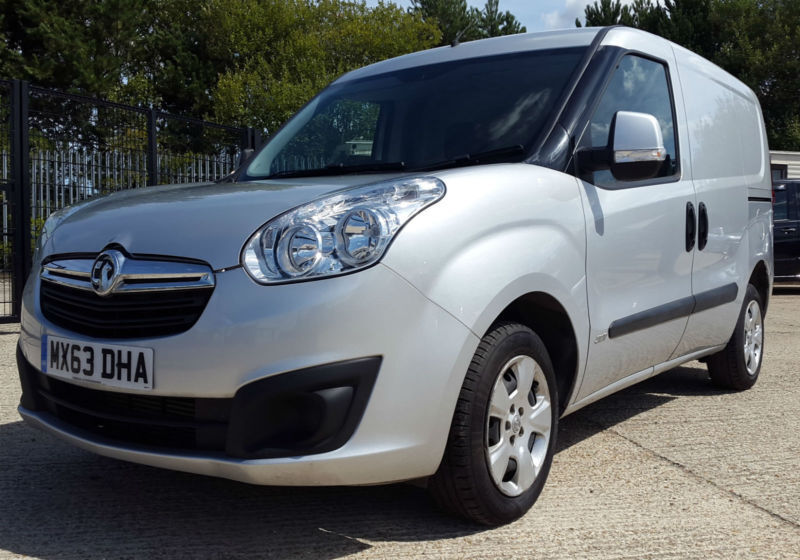 37399572ee VAUXHALL COMBO CONNECT SMALL CHEAP SILVER VAN 1.3CDTi 90PS L1H1 Sportive NO  VAT