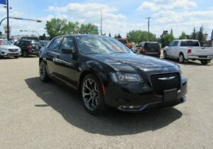 2016 Chrysler 300 S  AWD w/ NAV, SUNROOF, REMOTE START