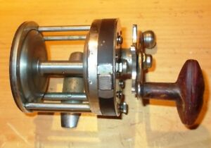 PFLUEGER  CAPITOL  NO.  1985  FISHING  REEL  MADE  IN  USA
