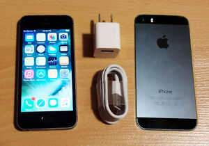 iPhone 5S Black 16GB Rogers, mint condition.