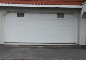 Hello, i am changing my garage door and would like to sell