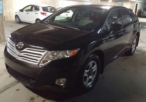 2010 Toyota Venza ( 67000km Perfect condition)