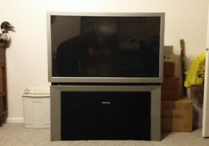 "46"" Toshiba TheaterWide HD 16x9 Widescreen Rear Projection TV"