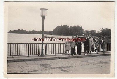 (F12629) Orig. Foto Hannover 1954, Personen am Maschsee