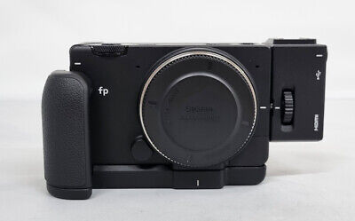 # SIGMA fp 24.6MP Full Frame Mirrorless Digital Camera Body+ HU-11 + HG-21
