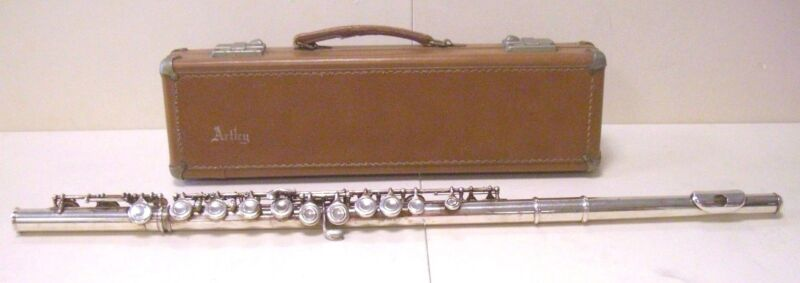 VINTAGE 1966 ARTLEY SILVER PLATED FLUTE W/ CASE ELKHART INDIANA SERIAL: 159028