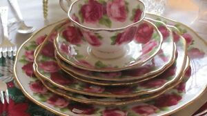 ROYAL ALBERT CHINA - OLD ENGLISH ROSE