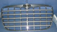GRILL  CHROME +SILVER CHRYSLER 300+ 300C = MODE  2005  A  2010 .