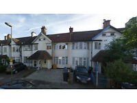 Lovely two bed flat on the second floor available in Golders Green, HB and DSS accepted.