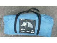 T4.2 dome quechua 4 man tent in very good condition! Easy to set up. Can deliver or post!