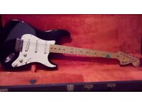 1971 fender Stratocaster USA and immaculate case.