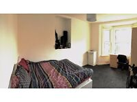 Large double room for six week period ! £700 URGENT