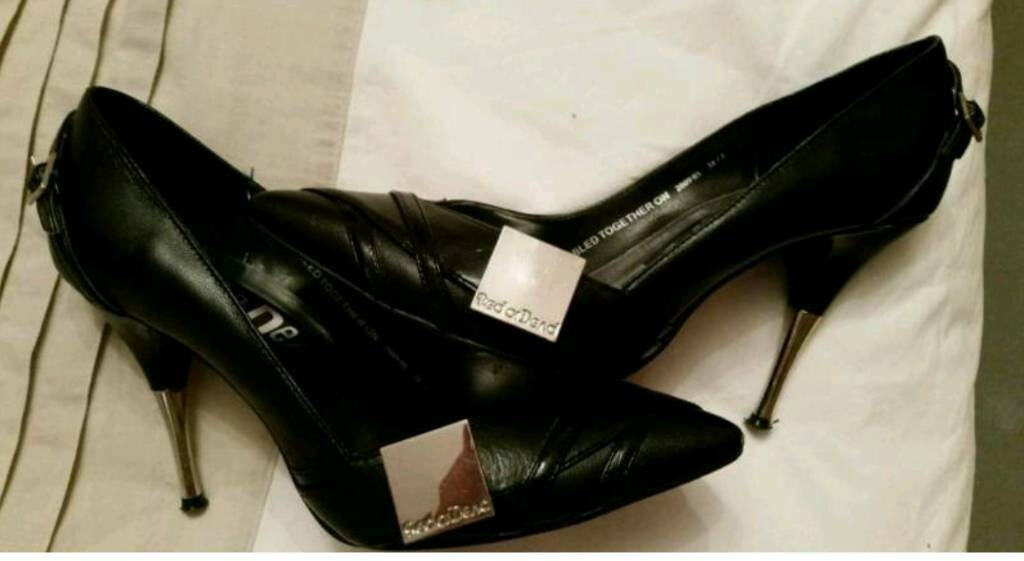 Red or dead heels size 5