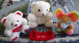 Cute teddies x 3. Very good condition. £1.50 the lot. Willing to separate.