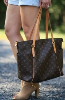 Authentic Louis Vuitton Totally PM Monogram Bag (NO OFFERS)