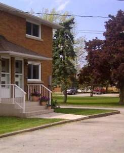 BEAMSVILLE RENTAL - 2 & 3BR TOWNHOUSE