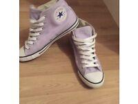 Lilac converse size 5
