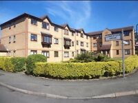 Two bed flat - available only to professionals - move in 1st Sept 2016