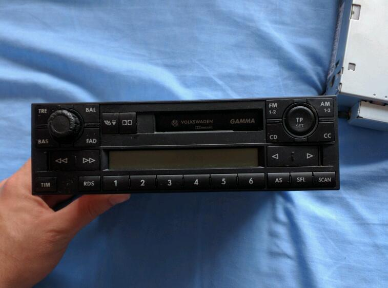 vw golf mk4 double din radio 6 cd changer in wirral. Black Bedroom Furniture Sets. Home Design Ideas