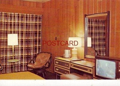 - LODGE ROOM, BARREN RIVER STATE RESORT PARK, LUCAS, KY.