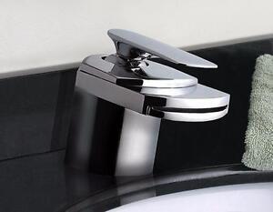 Robinet mitigeur pour salle de bain, jet cascade, finition en chrome, Neuf en boite