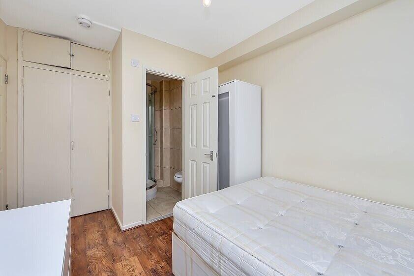 Students: 4 bedroom 3 bathroom garden flat available 10th ...
