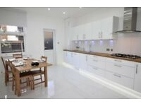 Beautiful 2 bed Ground floor flat with own Garden
