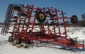 Wil-Rich 34' Cultivator