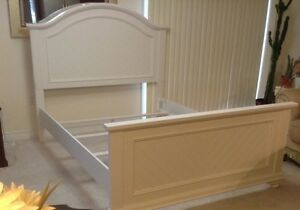 Queen bed excellent condition off white colour