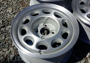 Ford Mustang Alloy Wheels 15x7 4 Lug Hole