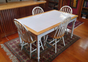 Kitchen Dinning Table And 4 Chairs