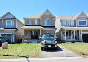 NIAGARA FALLS Main Floor + Second Floor 4 Bdrm Rental